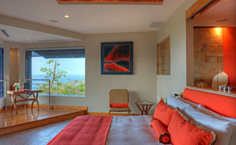 villa punto de vista red room suite