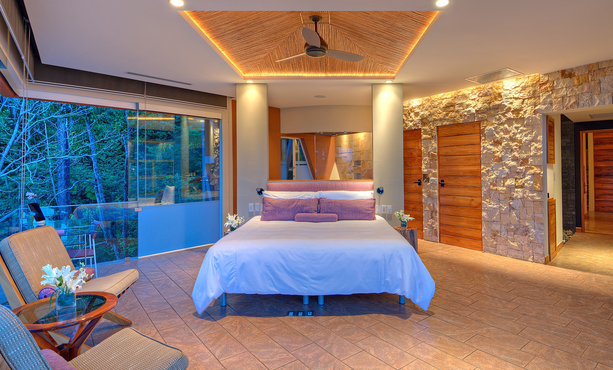 Luxurious Villa Suite with Balcony