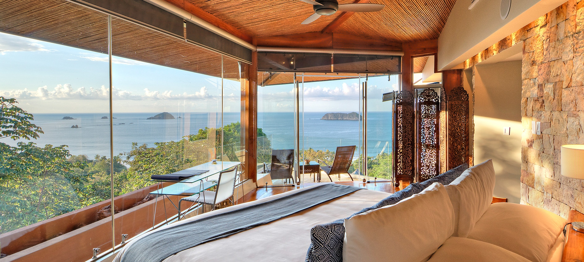 villa suites blue room